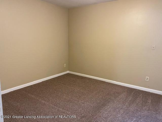 Listing Photo for 523 Bainbridge Drive #32
