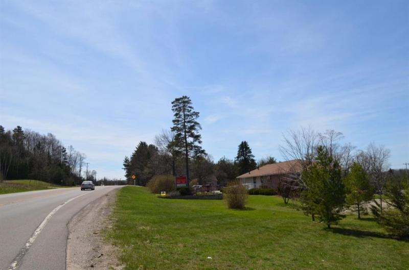 Listing Photo for 1435 N US 31 Highway