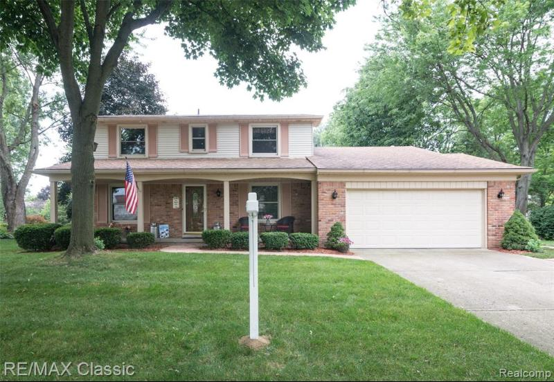 Listing Photo for 46233 Forestwood Dr