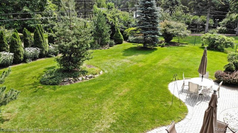 Listing Photo for 2404 Ivanhoe Dr