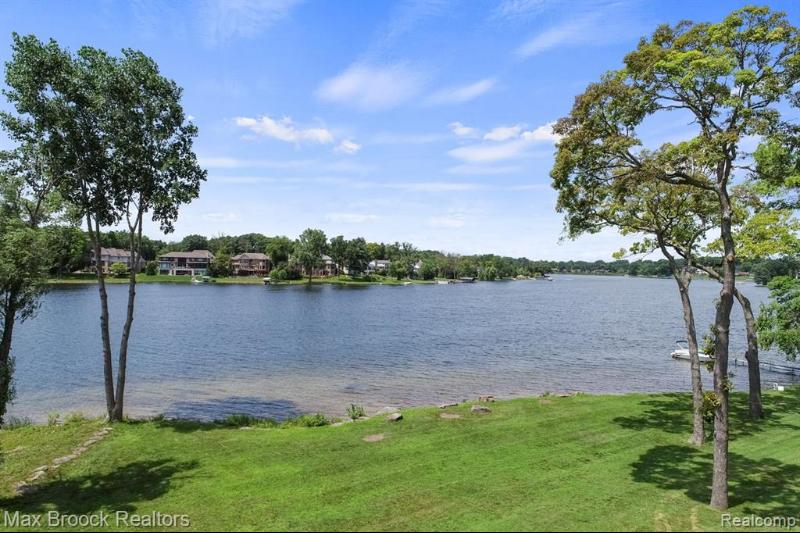 Listing Photo for 1745 Heron Ridge Dr