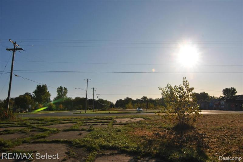 Listing Photo for 6483 Bay