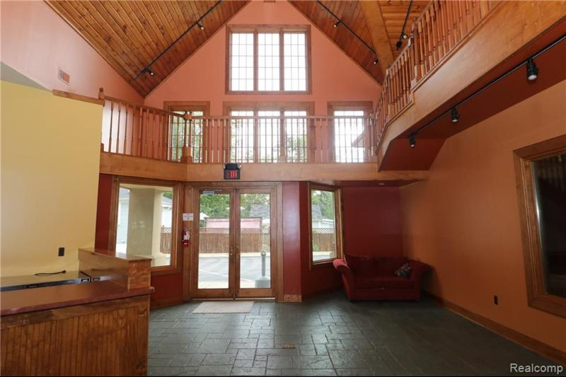 Listing Photo for 500 E Huron River