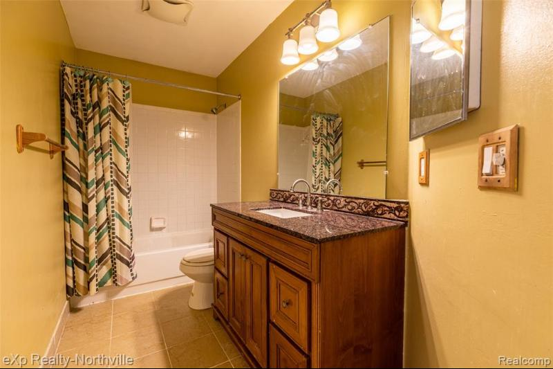 Listing Photo for 33849 Angeline Ave