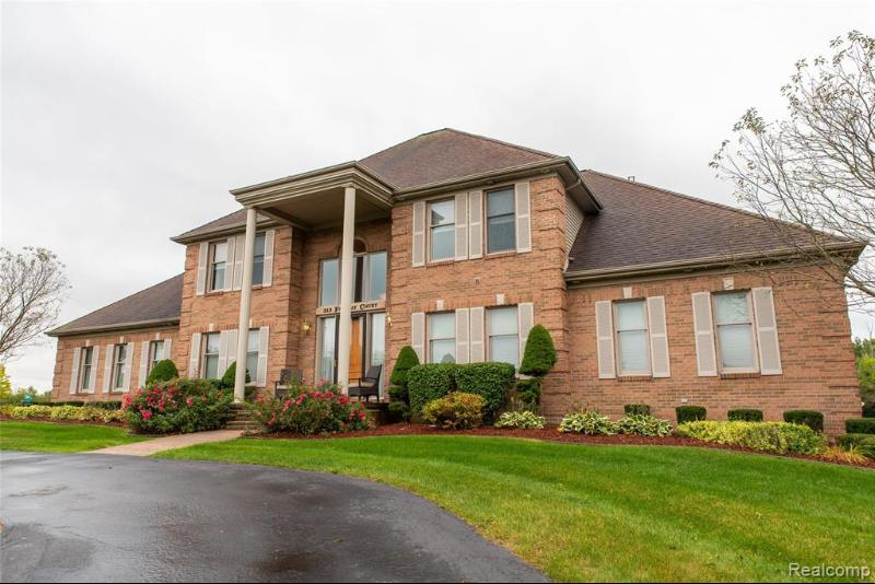 Listing Photo for 313 Fairway Crt