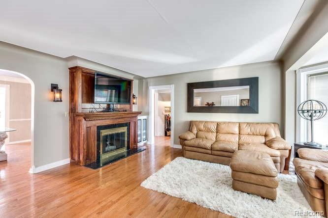 Listing Photo for 419 Englewood Ave