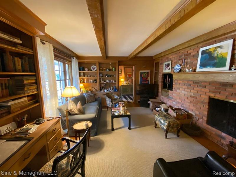 Listing Photo for 260 Grosse Pointe Blvd