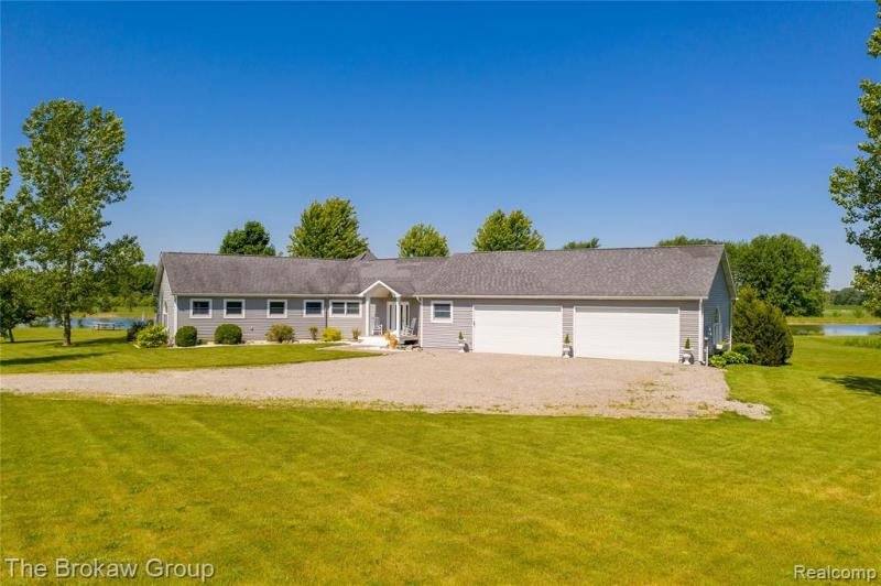 Listing Photo for 1721 Skiers Aly