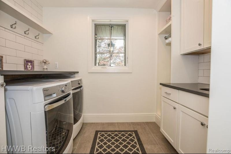 Listing Photo for 1415 Suffield Ave