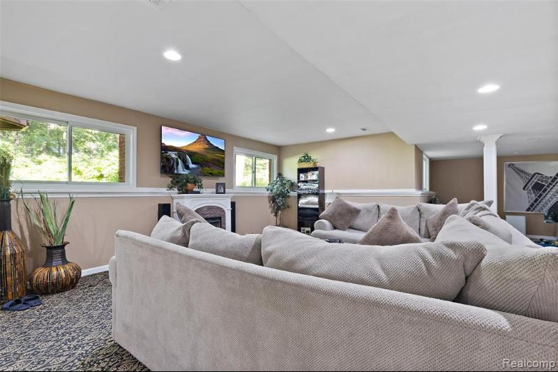 Listing Photo for 53519 Wayburn Crt