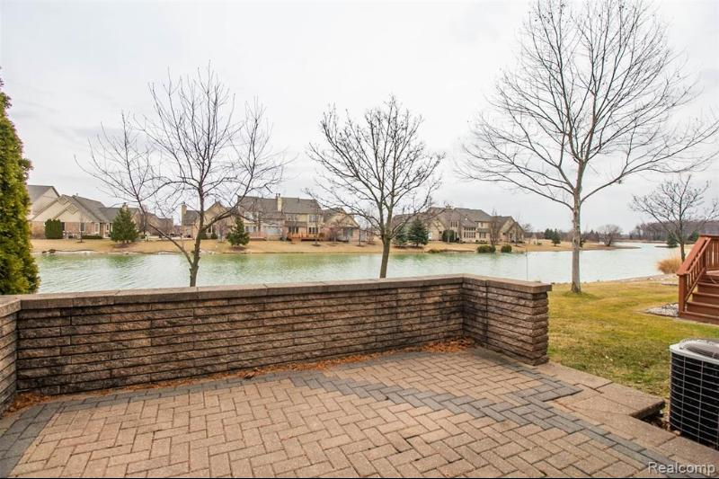 Listing Photo for 14922 Stoney Brook Dr W 78