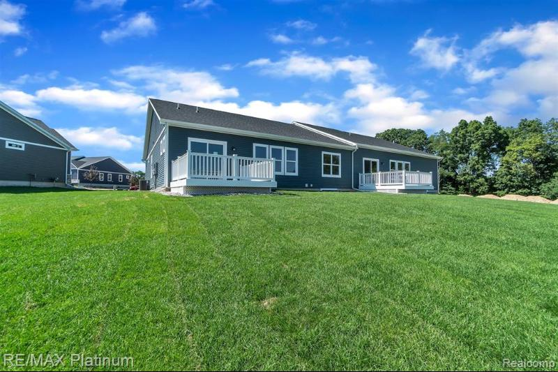 Listing Photo for 2752 Blue Sky Dr 33