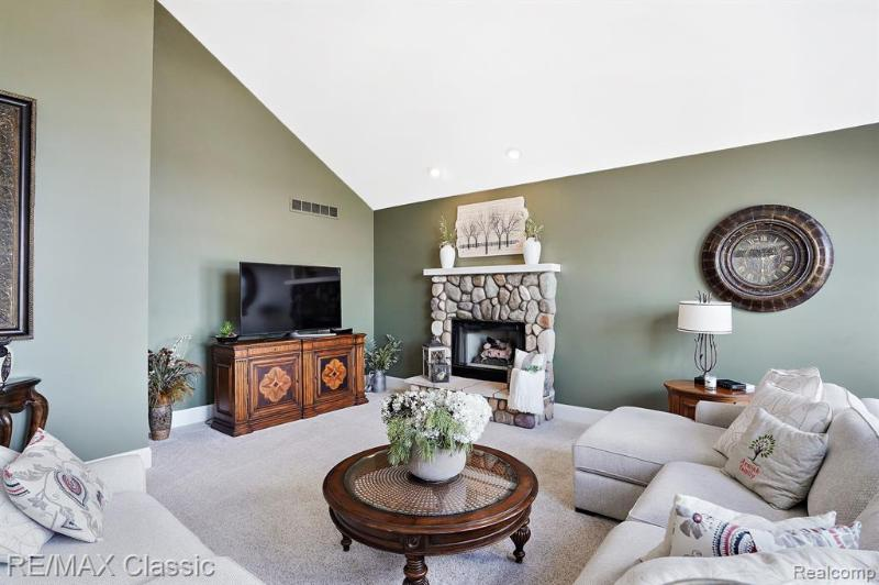Listing Photo for 50178 Drakes Bay Dr