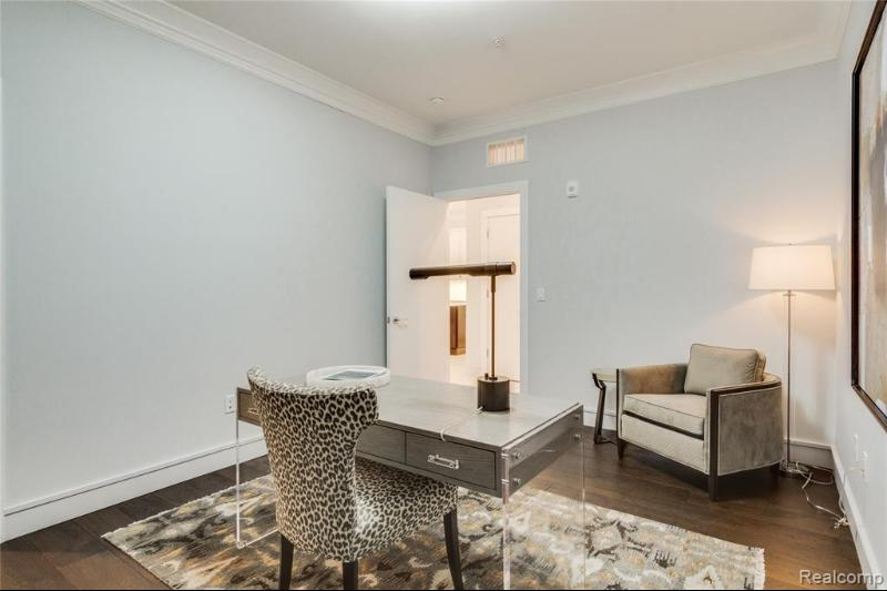Listing Photo for 856 N Old Woodward Ave 207