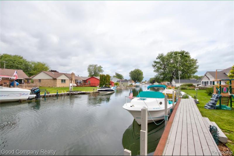 Listing Photo for 39267 Lakeshore Dr