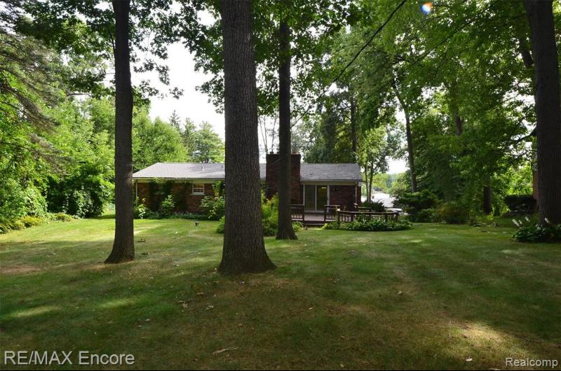 Listing Photo for 6474 Wellesley Ter