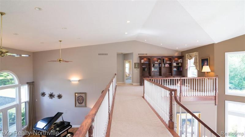 Listing Photo for 11101 N Ridge Rd