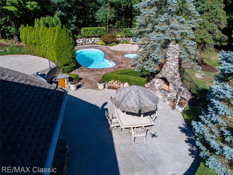Listing Photo for 5811 Turnberry Dr