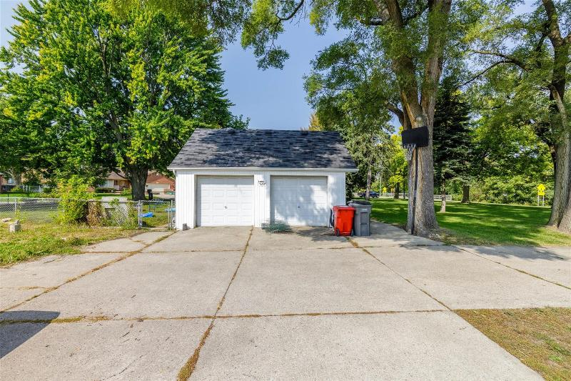 Listing Photo for 23420 Wellington