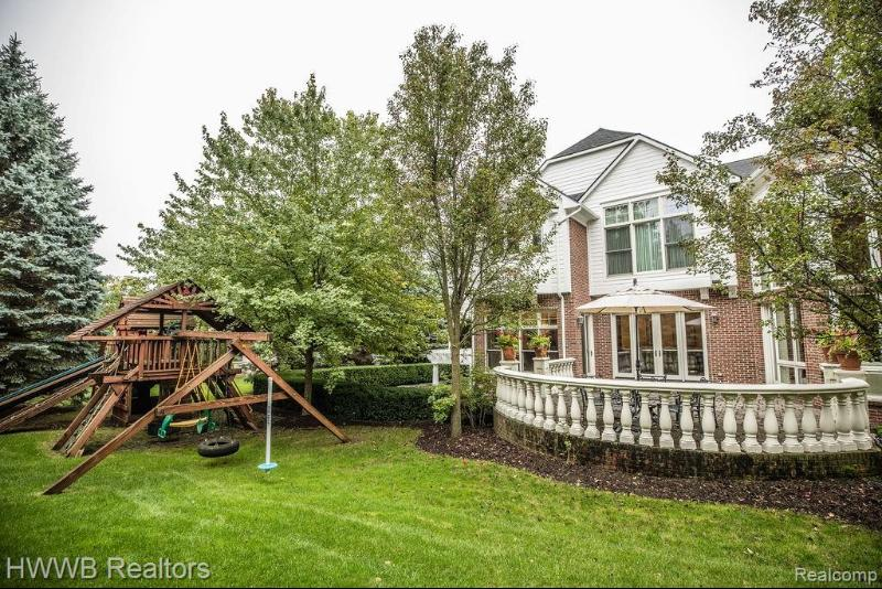 Listing Photo for 528 Barrington Crt