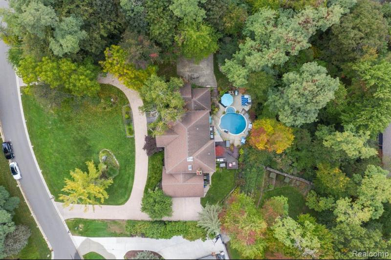 Listing Photo for 284 Woodwind Drive