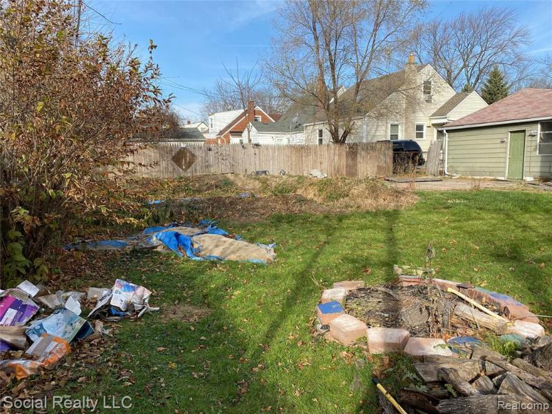 Listing Photo for 20664 Kenosha St