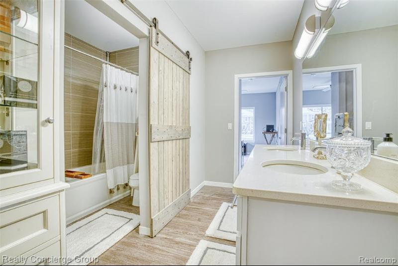 Listing Photo for 293 N 2nd St # 103