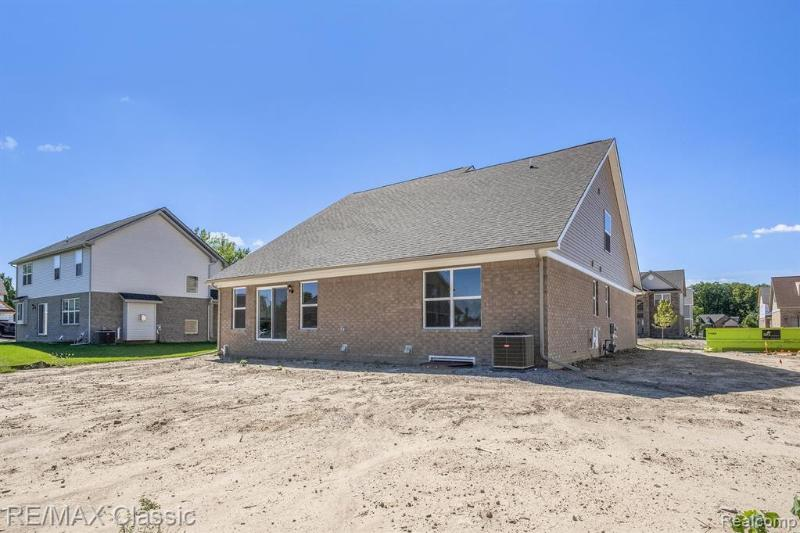 Listing Photo for 14252 Red Oak Dr