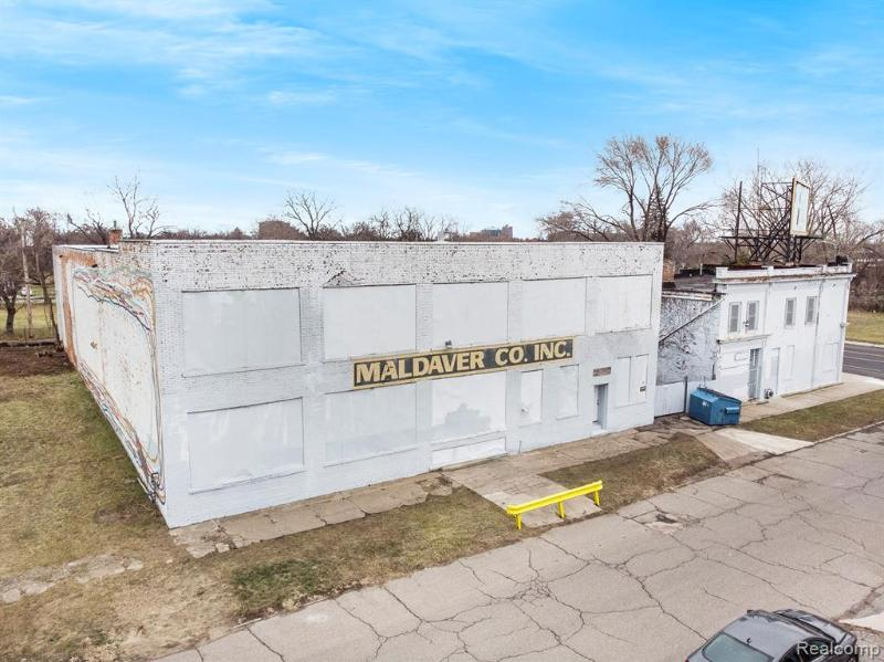 Listing Photo for 6621 Kercheval St