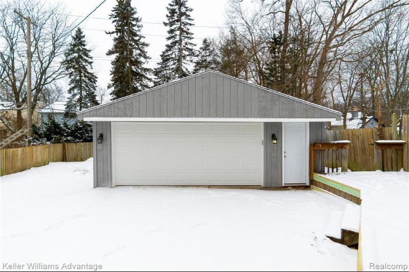 Listing Photo for 3879 Mapleleaf Rd