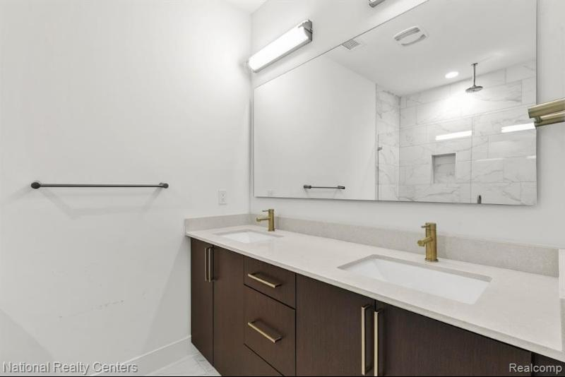 Listing Photo for 272 Alfred St