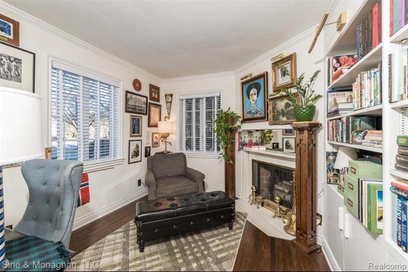 Listing Photo for 53 Oxford Road