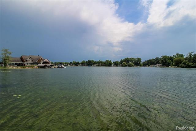 Listing Photo for 13435 Lake Shore Dr