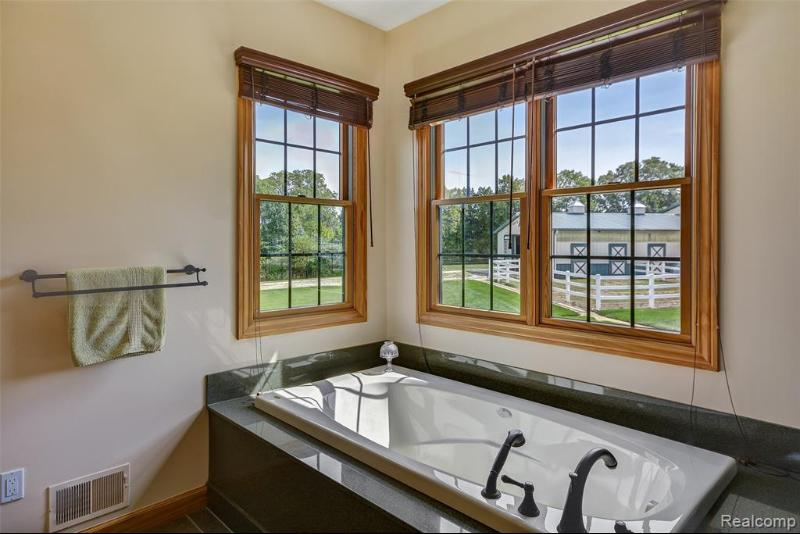 Listing Photo for 4335 Williamsburg On The River Rd