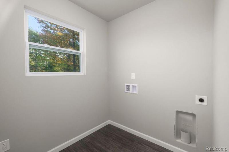 Listing Photo for 1042 Kemperwood Crt