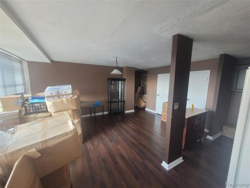 Listing Photo for 8900 E Jefferson Ave 830/31