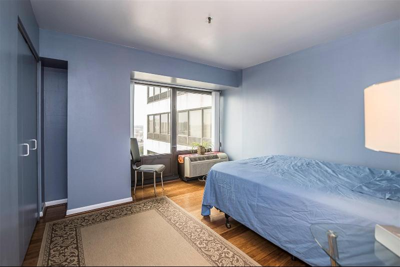 Listing Photo for 1001 W Jefferson Ave 9i
