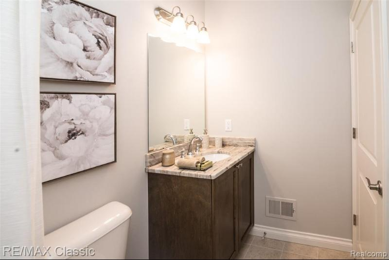 Listing Photo for 15350 Heritage Crt 14