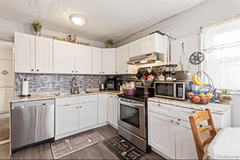 Listing Photo for 7331 Drexel St