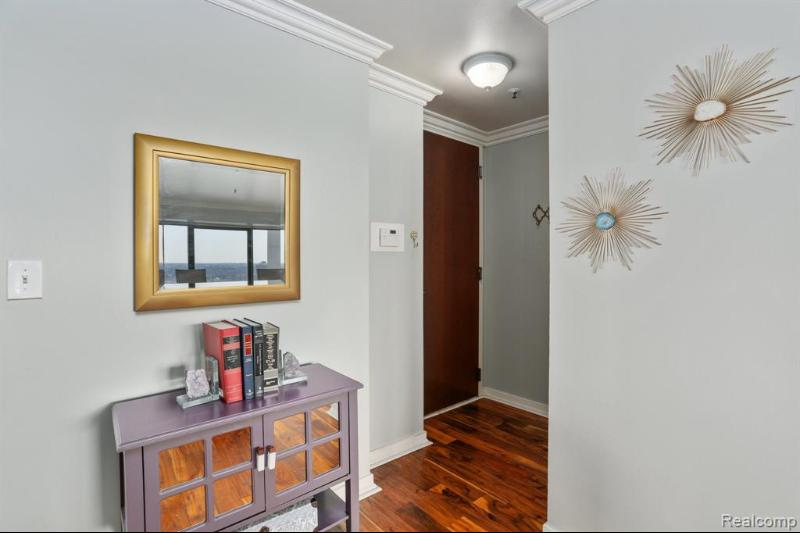 Listing Photo for 1001 W Jefferson Ave 16a
