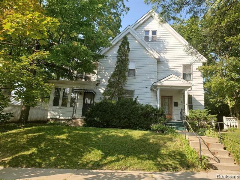 Listing Photo for 213 Maple St