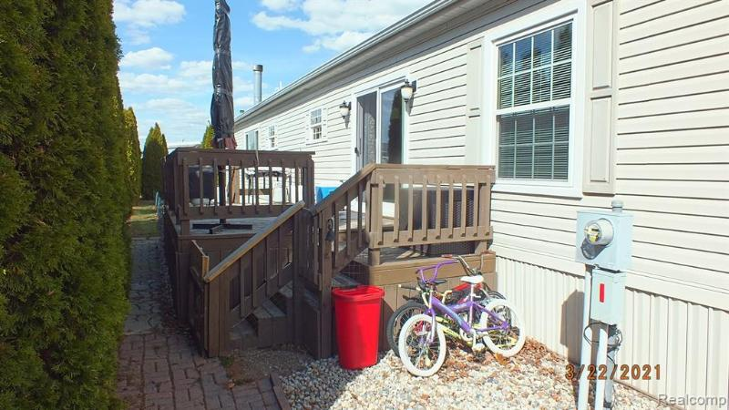 Listing Photo for 381 Zinnia Crt