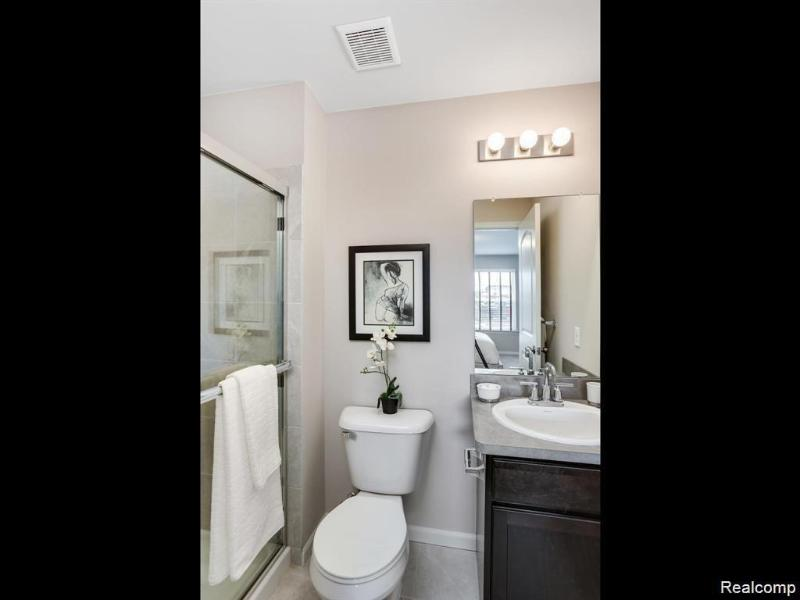 Listing Photo for 24023 Battelle Ave 25
