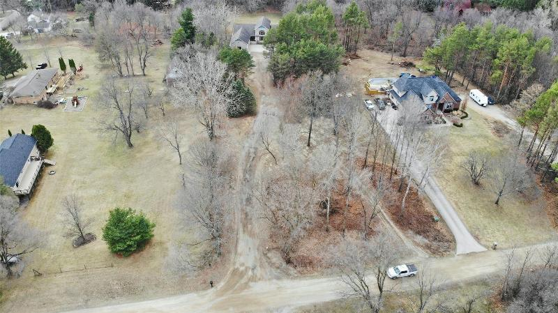 Listing Photo for 221 Faust Dr
