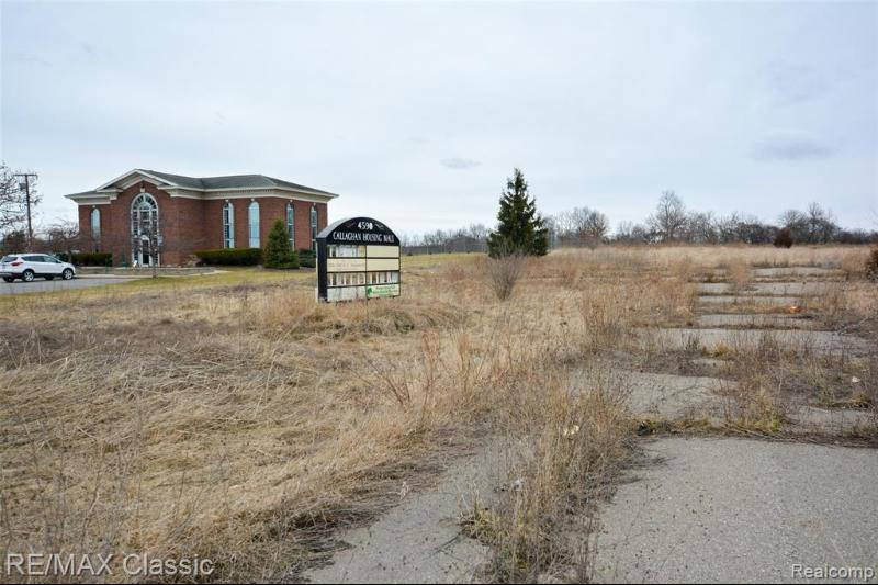 Listing Photo for 4590 W Grand River Ave