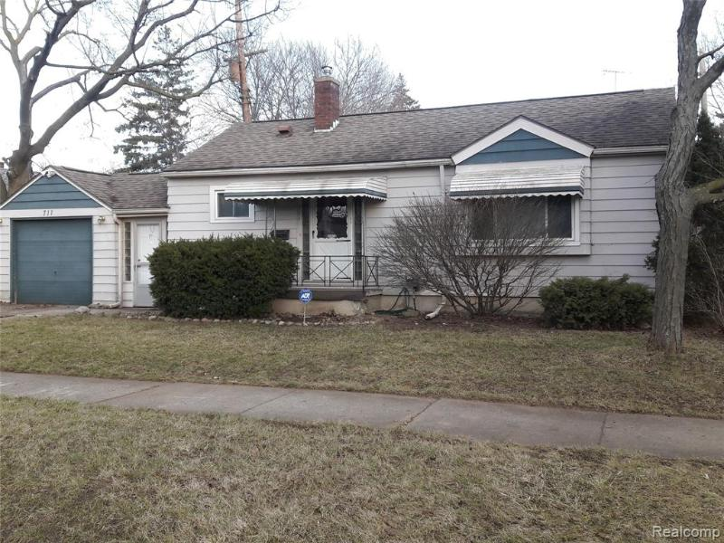 Listing Photo for 711 Hubbard Ave