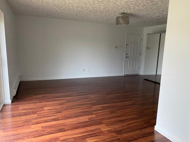 Listing Photo for 1876 Colonial Village Way Apt 3