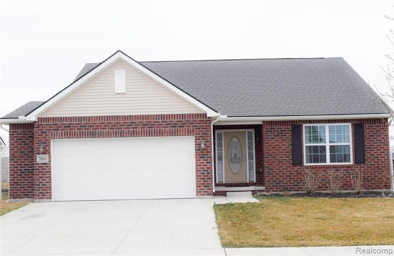 Listing Photo for 7061 Creekway Crt