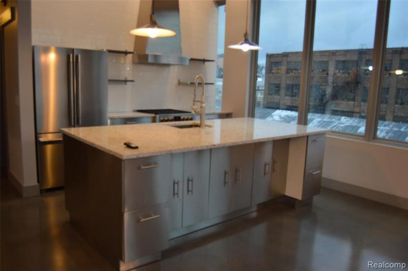 Listing Photo for 2987 Franklin St 3ab