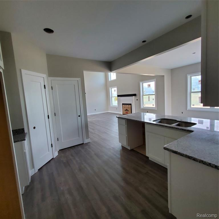 Listing Photo for 2250 Everett Crt